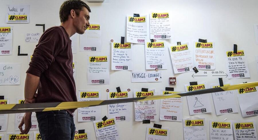 Daniel Rask er en af de pædagogstuderende på UCC Campus Carlsberg, der er med til at blokere ledelsesgangen