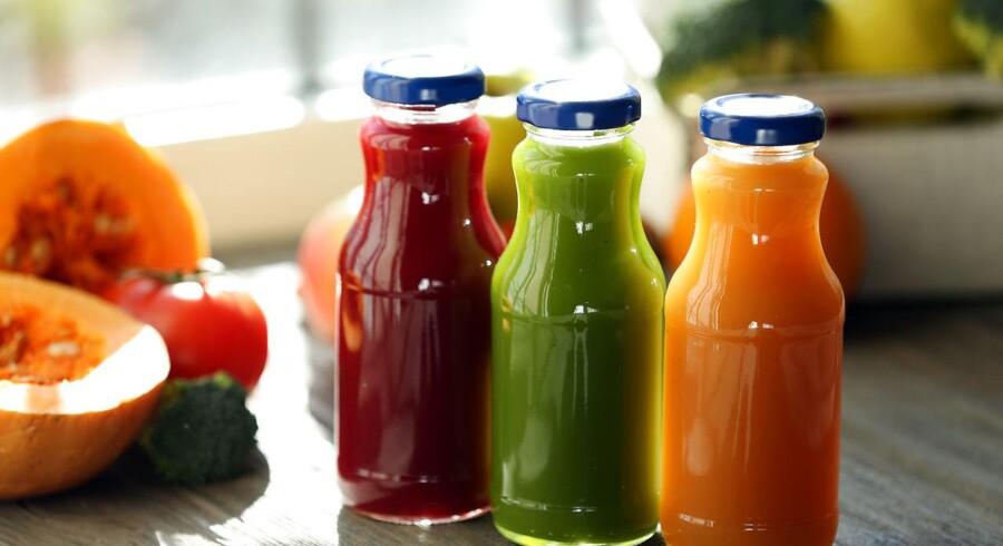 Regeringen udvider pantsystemet med saft- og juiceflasker af glas og plastik.