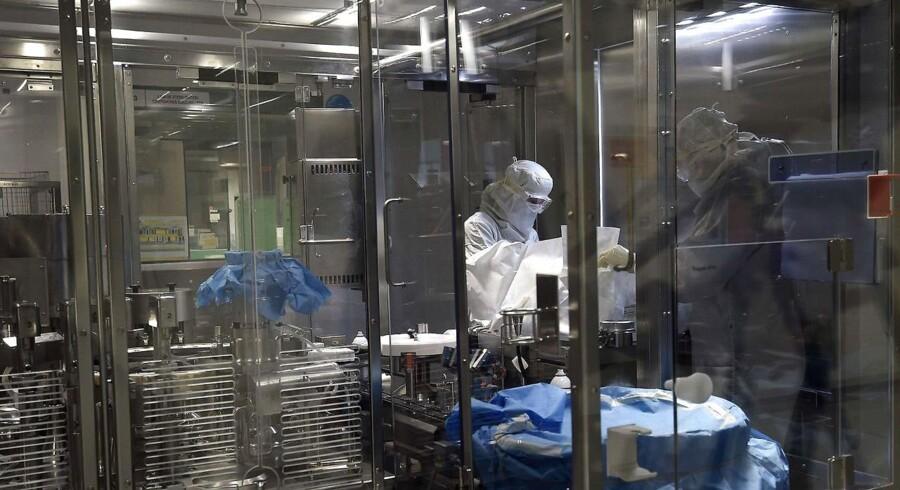 Den amerikanske medicinalgigant Eli Lilly vil skære 3500 stillinger væk.