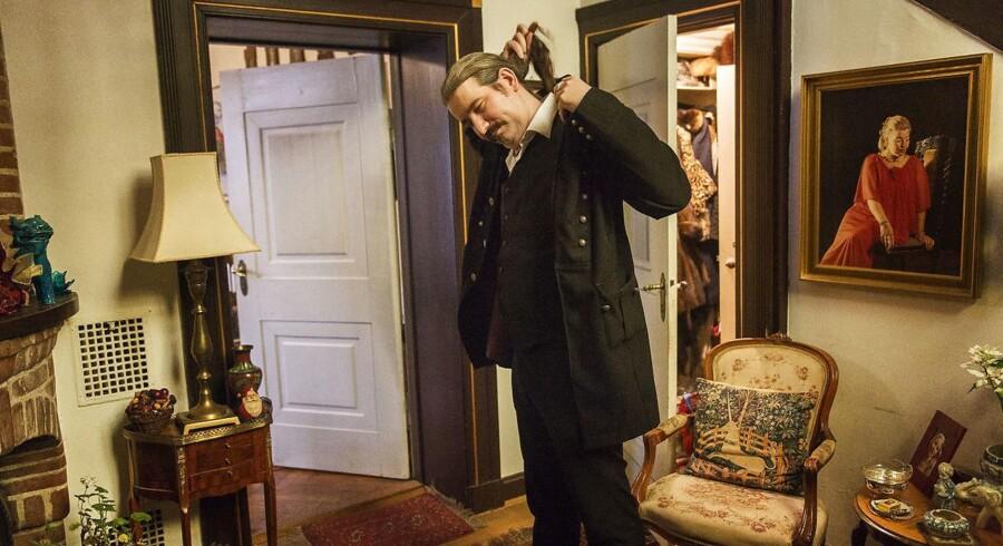 Niklas Nikolajsen fotograferet i Hellerup, hvor hans svigermor, den navnkundige Bodil Cath, bor. Til maj skal Niklas Nikolajsen giftes med Anna-Cathrine Cath.