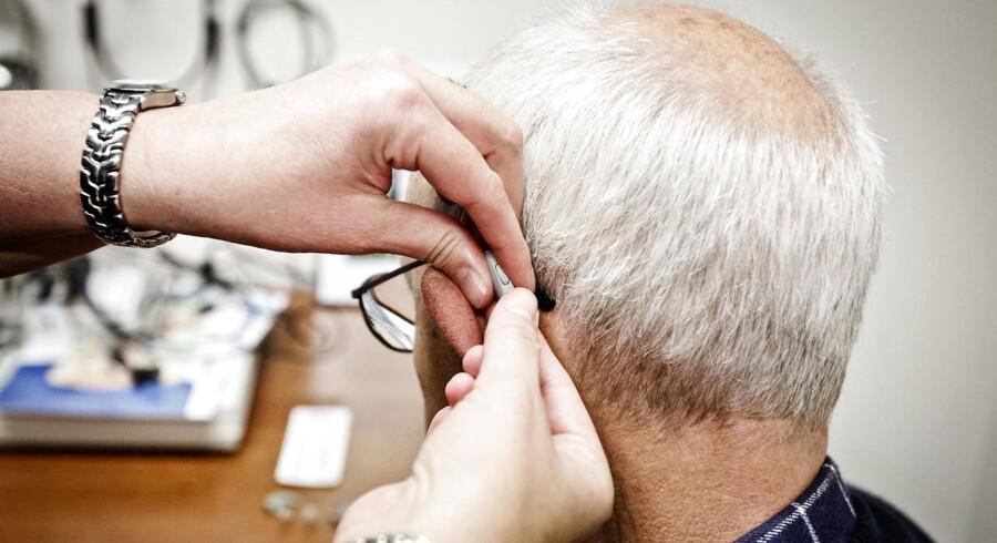 Høreapparatbranchen er onsdag på vej til at blive koncentreret på færre selskabers hænder. Tyske Sivantos og danske Widex har meddelt, at de vil fusionere og dermed skabe verdens tredjestørste høreapparatselskab.