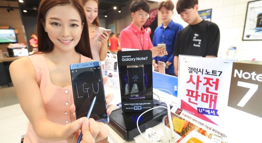 Galaxy Note 7 blev tirsdag præsenteret som Samsungs nye toptelefon, og forventningerne til salget er meget høje hos mobilgiganten. Arkivfoto: EPA/Yonhap/Scanpix