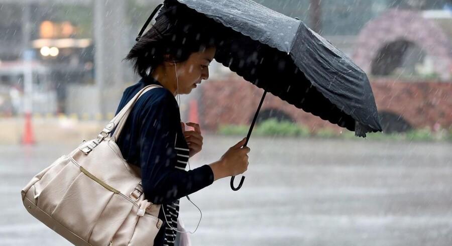 Det ustadige sommervejr over Danmark fortsætter ufortrødent den kommende uge ifølge Danmarks Meteorologiske Institut.