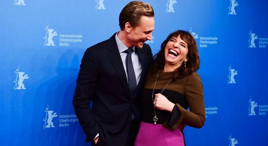 Tom Hiddleston med filminstruktør Susanne Bier stiller op ved visningen af »The Night Manager« i Berlin i sidste uge.