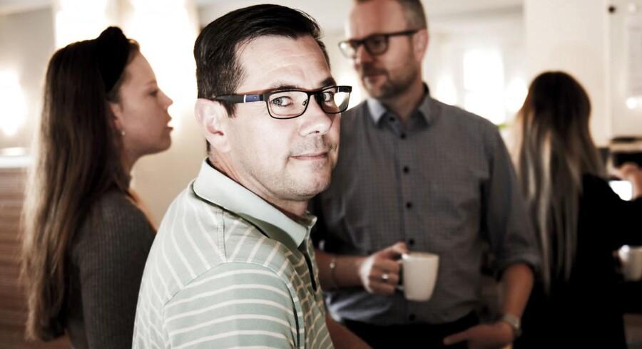 Henrik Kronborg Jørgensen arbejder i en virksomhed, hvor der er fokus på både at have mænd og kvinder. Han oplever selv, at det giver gode resultater og god dynamik, hvis der ikke kun er mænd i teamet.