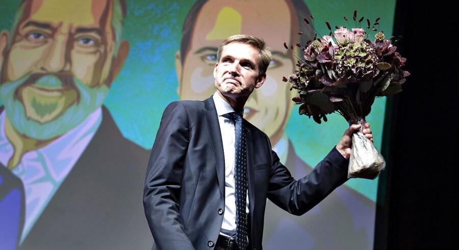 I sin tale ved Dansk Folkepartis årsmøde redegjorde partiformand Kristian Thulesen Dahl ikke kun for et scenarium, hvor blå blok vinder næste folketingsvalg, men også for et, hvor oppositionen vinder, men ikke kan enes. »Mange spekulerer naturligvis på, om Socialdemokratiet på et tidspunkt får nok, og telefonen så ringer hos os. For hvis den ringer, hvad så? Og ved I hvad? Hvis den ringer – så tager jeg den,« lød det fra DF-formanden.