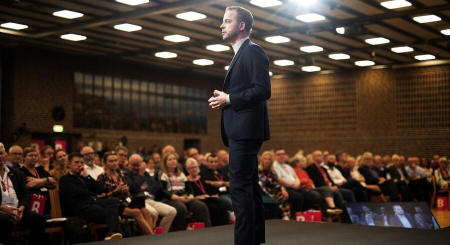 Hvis Mette Frederiksen ikke vil underskrive en politisk aftale med Morten Østergaard efter et valg, risikerer danskerne at skulle til stemmeurnerne igen, siger han i forbindelse med de Radikales landsmøde i Nyborg.
