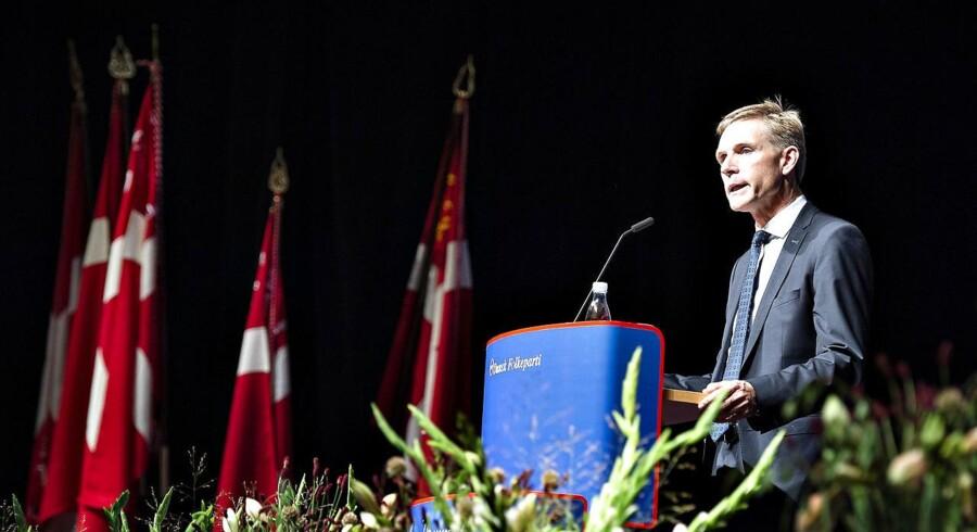 Under sin tale på DFs årsmøde i weekenden i i Herning Kongrescenter sprang Dansk Folkepartis formand Kristian Thulesen-Dahl ud som fuldblods populist med den åbne invitation til Mette Frederiksen om at ringe, hvis der efter næste valg ikke er blåt flertal.