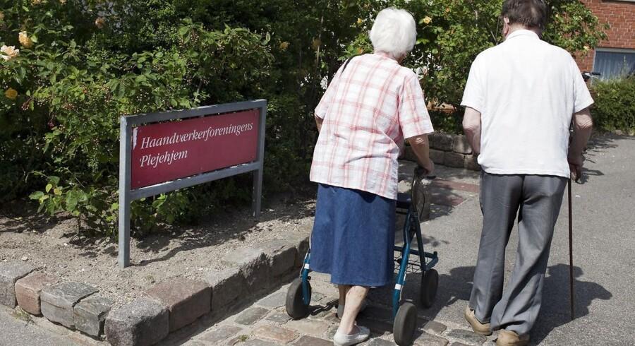 Vi har dokumenteret, at der er sket meget voldsomme fald i den kommunale hjemmehjælp, og at bemandingen på plejehjem er helt utilstrækkelig, skriver Ældre Sagens adm. direktør, Bjarne Hastrup.
