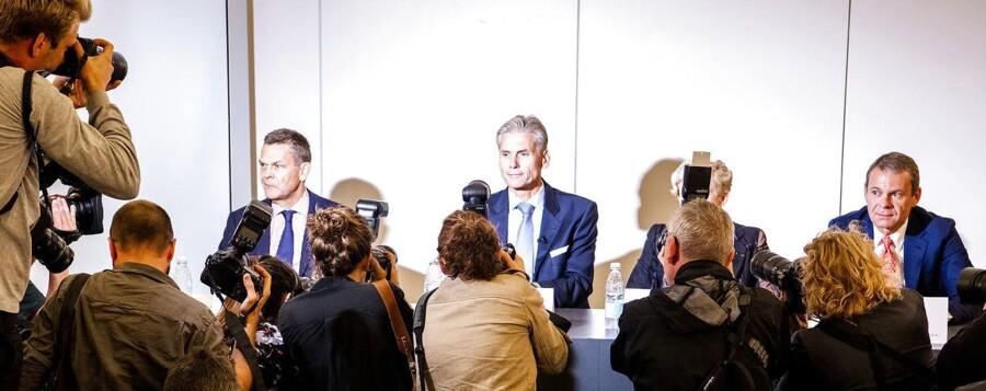 Danske Bank – hvidvasksagen – pressemøde i Tivoli Congress Center. Afgående direktør Thomas Borgen ankommer sammen med bestyrelses formand Ole Andersen.