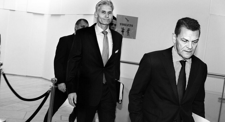 Thomas F. Borgen og Ole Andersen ankom til Danske Bank pressemøde onsdag formiddig med et budskab om, at banken havde begået en række alvorlige fejl.