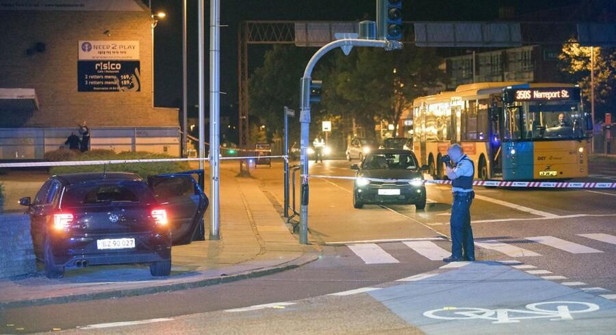 Politiet var massivt til stede i Herlev tirsdag aften efter meldinger om flere skud.
