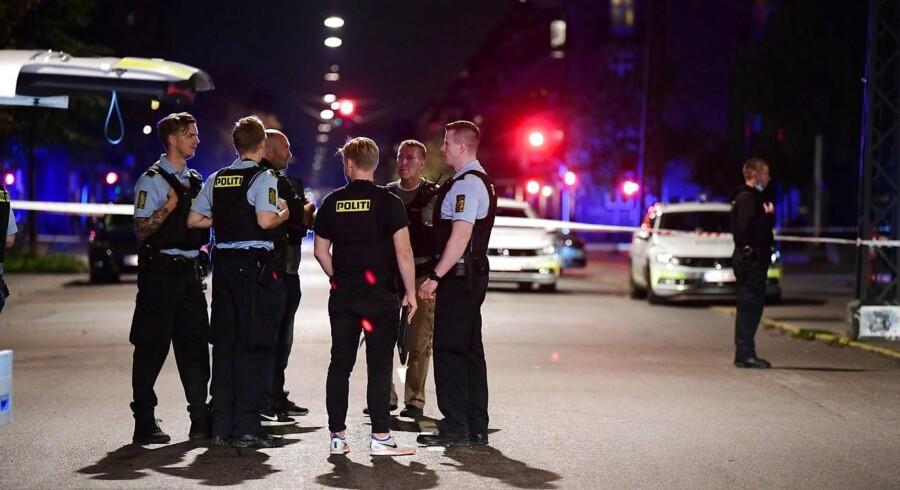 Politiet til stedet ved Bolsjefabrikken i Ragnhildsgade på Nørrebro i København.(Foto: Bax Lindhardt/Ritzau Scanpix)