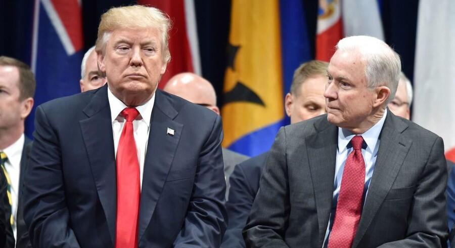 Arkivfoto: Den amerikanske præsident Donald Trump har flere gange kritiseret justitsminister Jeff Sessions for at erklære sig inhabil i specialanklager Robert Muellers undersøgelse af Ruslands formodede indblanding i det amerikanske valg.