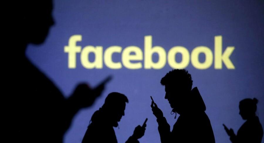 Facebook har stadig ikke ændret sine brugerbetingelser, så de er i overensstemmelse med nye og strammere EU-regler om forbrugerbeskyttelse. Arkivfoto: Dado Ruvic, Reuters/Scanpix