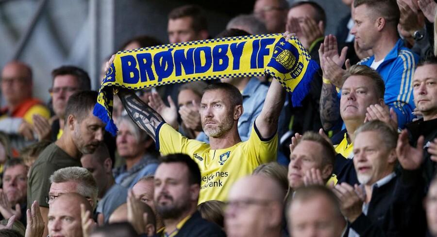 Brøndby fans under superliga kampen mellem Brøndby og FC Midtjylland på Brøndby Stadion d. 2. september 2018.