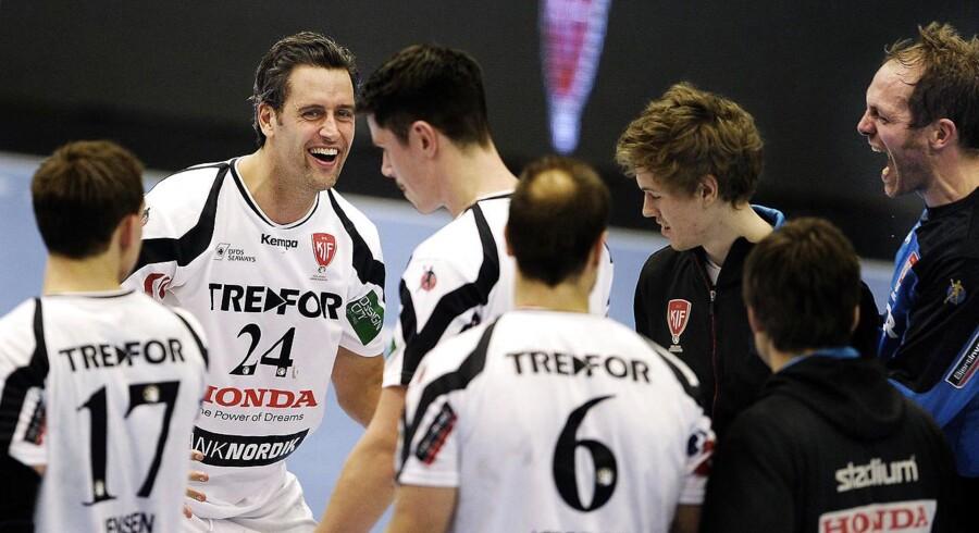 Ifølge TV2 Sport er håndboldspillerne i KIF Kolding onsdag blevet orienteret om, at klubben undgår en konkurs.