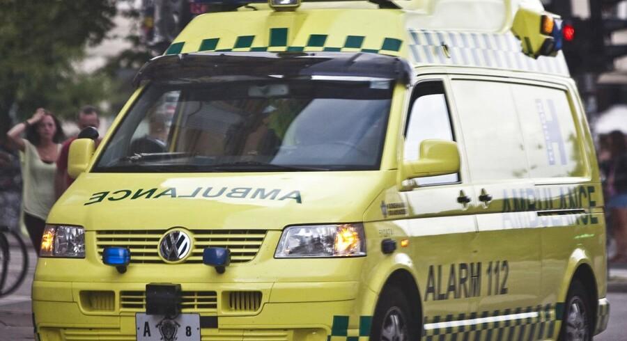 (Arkiv) Mandag formiddag blev en 78-årig mand påkørt af en bil i en rundkørsel i Brønderslev.