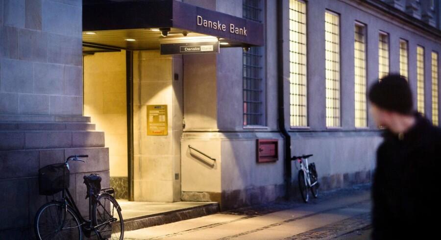 Danske Banks hovedsæde ved Holmens Kanal og Kongens Nytorv. Banken er ifølge flere eksperter ude i en ganske svær balancegang med en ny fond, der skal støtte tiltag til bekæmpelse af økonomisk kriminalitet. En øvelse, der bliver sværere af usikkerhed om fondens størrelse. ARKIVFOTO.