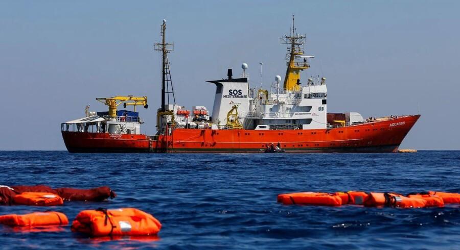 De migranter, der opholder sig på »Aquarius« skal fordeles mellem Frankrig, Spanien, Portugal og Tyskland.
