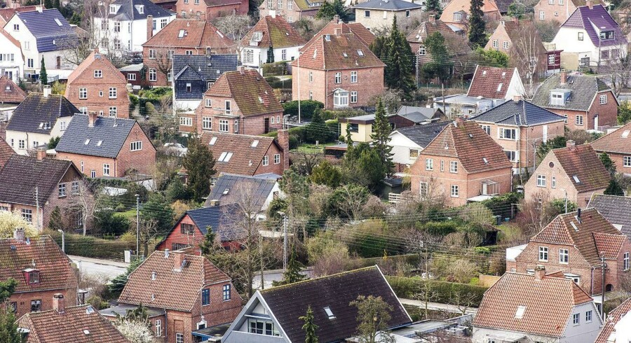 Udsigt over Amagers villakvarter, hvor husejerne kan se frem til et fald i deres grundskyld, når nye regler træder i kraft.