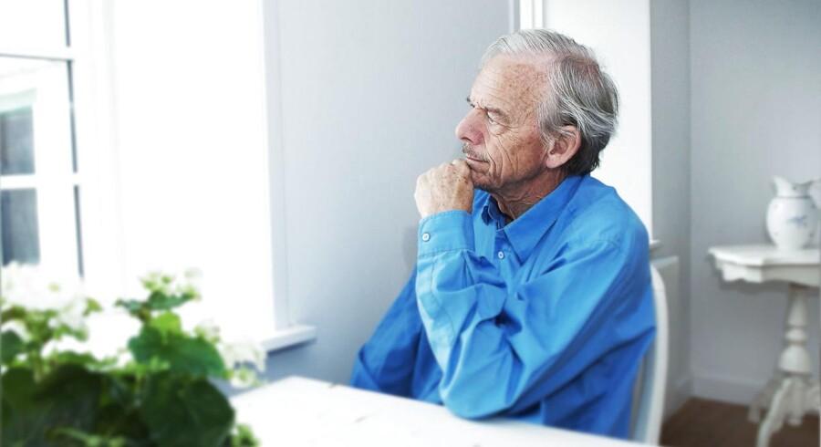 Den pensionerede læge Svend Lings mener ikke, han har gjort noget ulovligt. Han udtaler, at han blot har citeret fra sin guide til selvmord, der ligger lovligt på internettet.