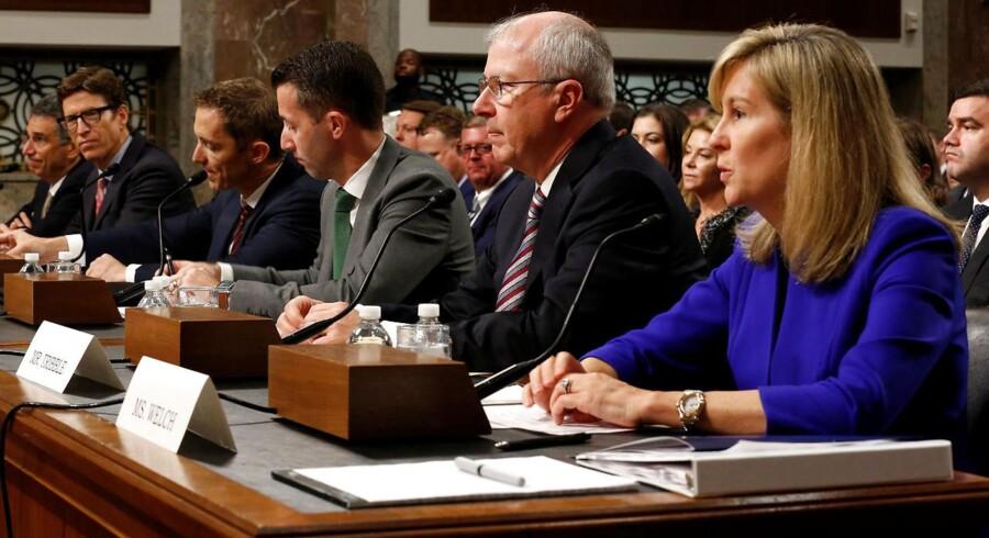 Googles ansvarlige for privatlivets fred, Keith Enright (i midten), bekræftede på senatshøring, at internetgiganten arbejder på en særlig, kinesisk søgemaskine, hvilket Google-ansatte tidligere har protesteret mod. Arkivfoto: Joshua Roberts, Reuters/Scanpix