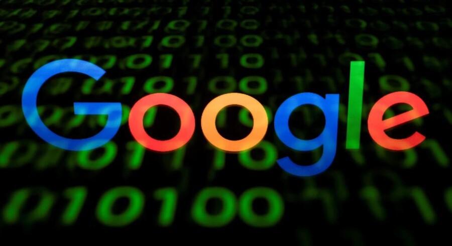 Facebook og Google vil sammen med EU bekæmpe falske nyheder.