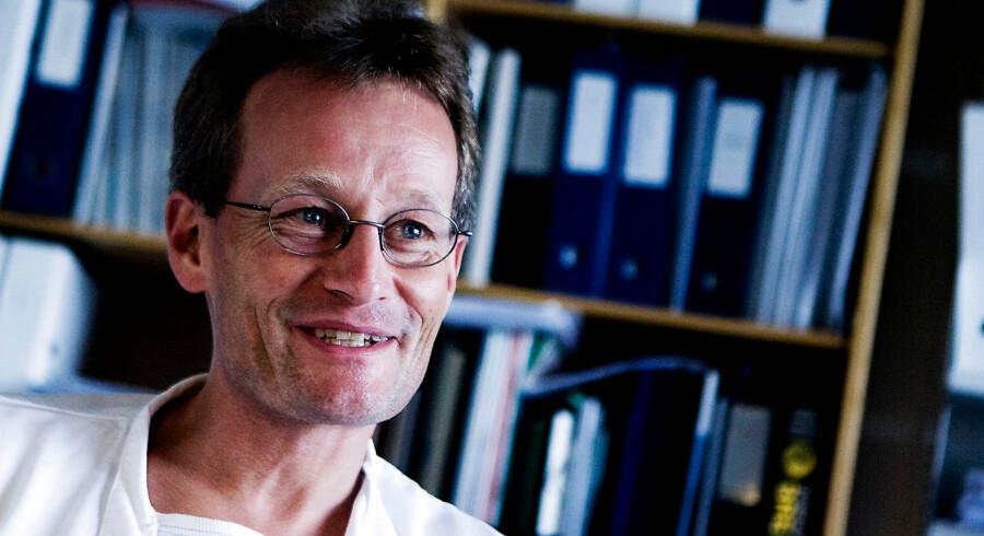 Arkivfoto: Niels Kroman er i dag cheflæge og professor ved Kræftens Bekæmpelse. Tidligere har han været overlæge og brystkræftekspert på Rigshospitalet. Han fortæller om den såkaldte »kølehætte« som et gammel koncept, der aldrig har vundet indpas.