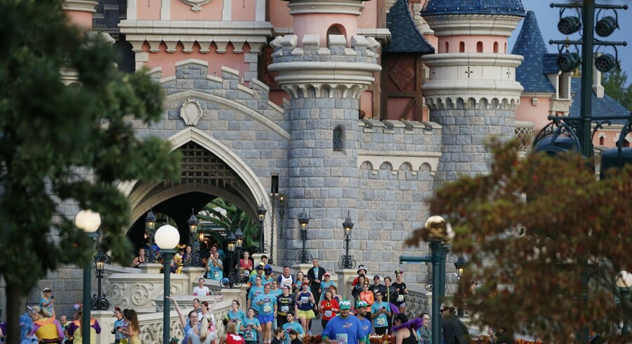 Løbere ved Tornerose-slottet. Fotos: Disneyland Paris