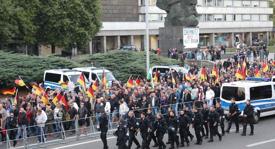 (Arkivfoto) Politiet fulgte en 'Pro Chemnitz-demonstration' d.14. september.