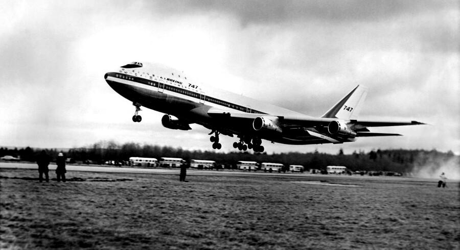 Den første flyvning skete 9. februar 1969 fra Everett i Washington.