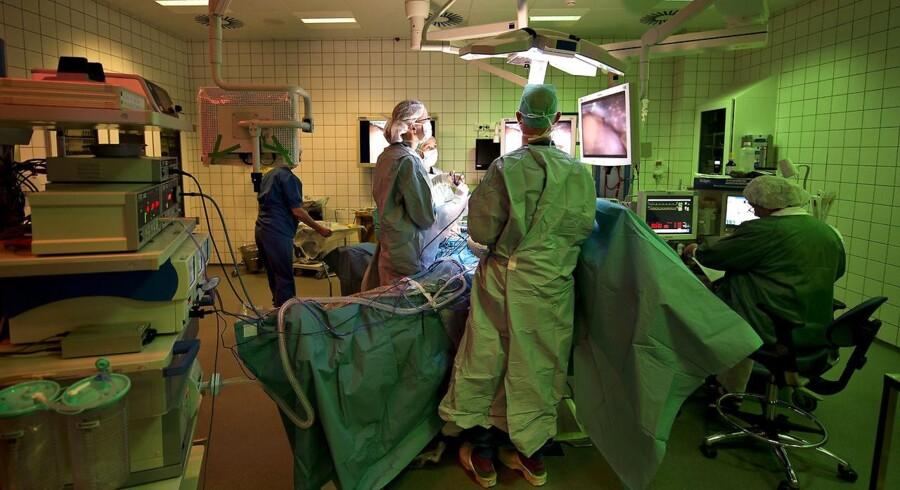 De fem formænd for regionerne i Danmark vil bevare regionerne af hensyn til patienterne. Det går bedre med kræftoverlevelse, ventetider og patienternes tilfredshed. Svaret er, at det skal være trygt, nært og nemt, og det må ikke ødelægges med store omvæltninger i sundhedsvæsenet. Foto: Henning Bagger/Ritzau Scanpix
