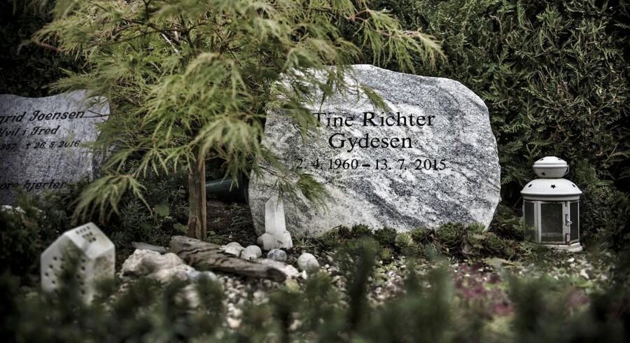 Tine Richter Gydesen mistede livet i 2015 efter længere tids kræftsygdom. Men hendes historie bruges stadig som en »succeshistorie« af den alternativ behandler Martin Hejlesen.