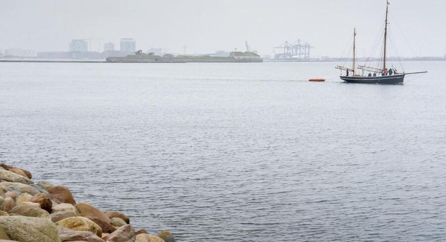 Nu får København endnu en holm med en helt ny bydel. Regeringen og Københavns Kommunes overborgmester har underskrevet en aftale om at anlægge Lynetteholmen, der skal forbinde Nordhavn med Refshaleøen. På sigt vil aftalen give plads til knap 50.000 nye københavnere, heraf ca. 35.000 alene på Lynetteholmen.