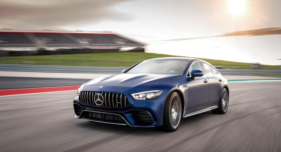 Mercedes-AMG GT 4-dørs er den tredje model, som er selvstændigt designet og udviklet af det ikoniske mærke fra Affalterbach. AMG har eksisteret siden 1967, hvor man udelukkende fokuserede på motorsport. Siden blev fabrikken kendt for tuning af modeller fra Mercedes-Benz, og siden 1990erne har mærket været en del af Daimler-koncernen