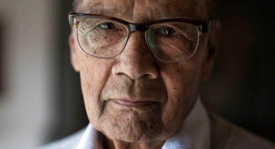 Narain Rajani kom til Danmark som 30-årig og har i en lang karriere arbejdet med at lindre døendes smerter. Mange har han holdt i hånden, da de udåndede. Nu er han 82 år. Før jul fik han konstateret en uhelbredelig cancersygdom.
