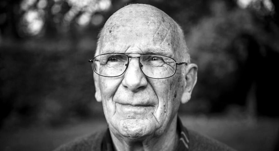 Karl Hjortnæs har været medlem af Socialdemokratiet i 65 år. Han var minister under Anker Jørgensens regeringer og har været folkevalgt for partiet i mere end 20 år.