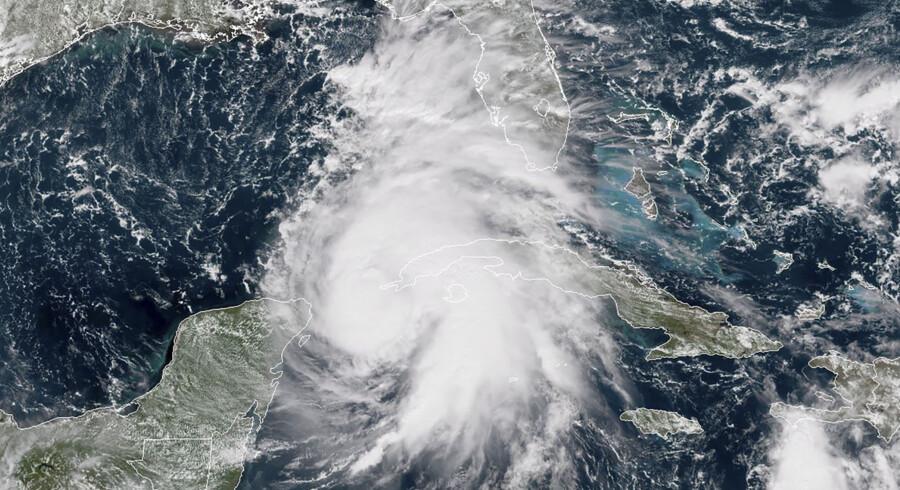 Den tropiske storm Michael vil ifølge USA's National Hurricane Center (NHC) udvikle sig til en kategori tre-orkan. Ho/Ritzau Scanpix