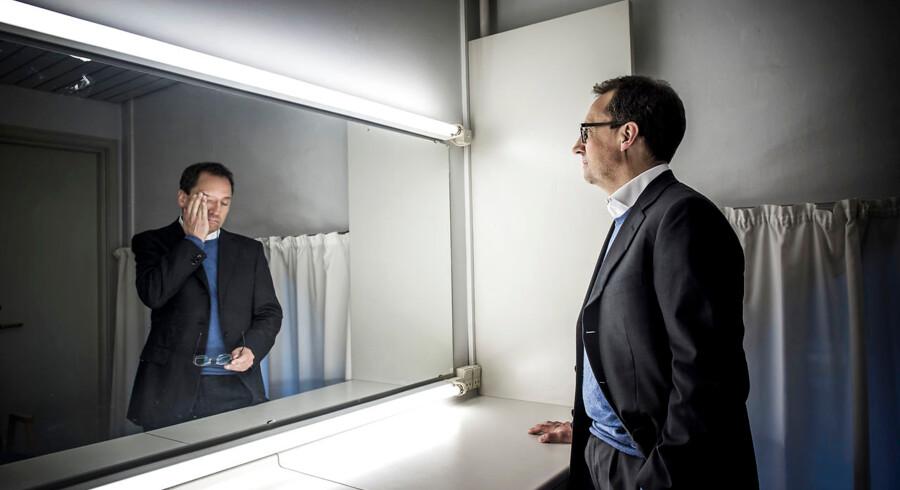 Afhængigt af, hvem man spørger, er der flere sider af Gyldendals direktør Morten Hesseldahl - en usædvanligt omdiskuteret leder i kulturlivet. Selv tager han de mange personangreb ganske roligt FOTOMONTAGE