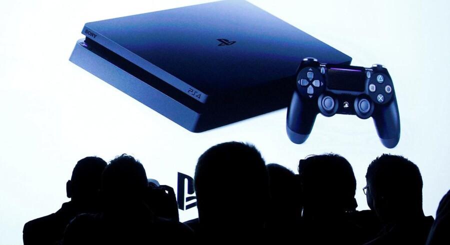 Sony lancerede i september 2016 en opdateret udgave af sin storsælgende spillekonsol, Playstation 4 Pro. Nu er nummer 5 på vej. Arkivfoto: Brendan McDermid, Reuters/Scanpix