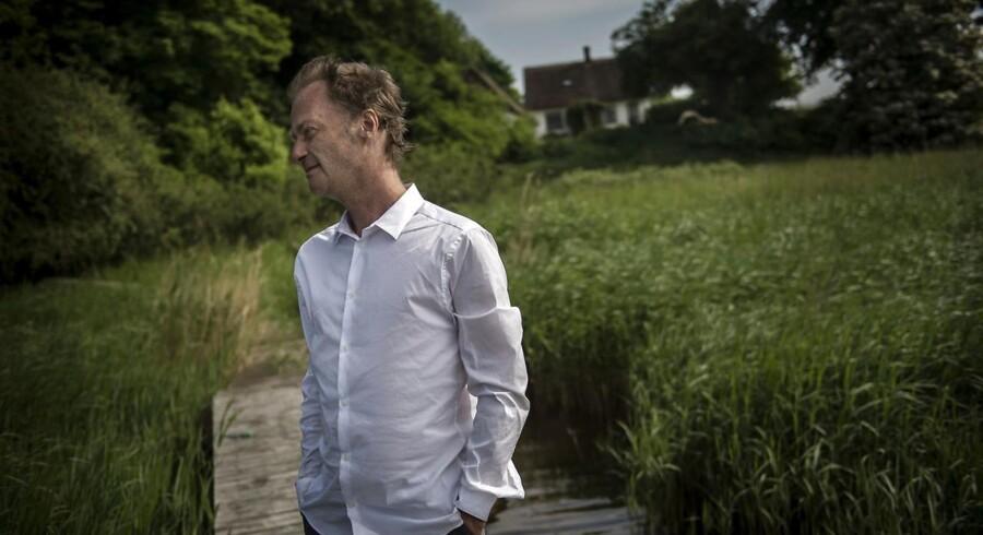 »Jeg bærer Falster i mig, fordi jeg på en måde er landskabet.« Knud Romer, fotograferet af Thomas Lekfeldt.