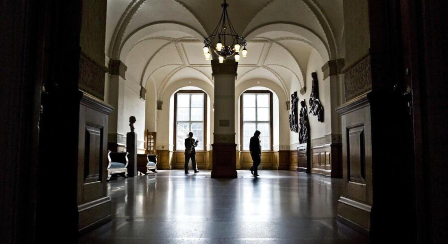 Antallet af tidligere folketingspolitikere, der finder beskæftigelse i lobbyvirksomheder eller interesseorganisationer, er i vækst. Det viser både et nyt forskningsprojektet og en kortlægning, Berlingske har foretaget.