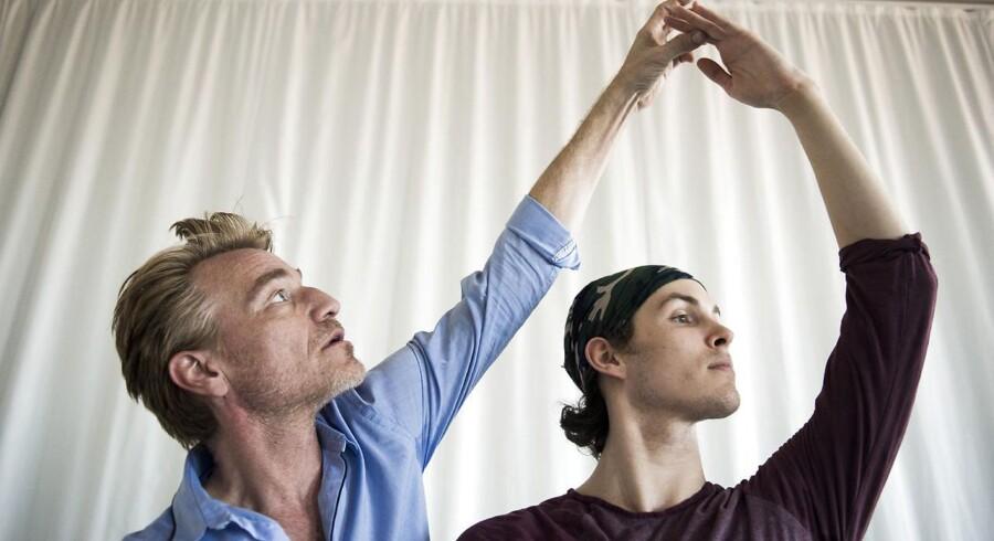 Balletmester Nikolaj Hübbe har netop udnævn den unge balletdanser Andreas Kaas som solodanser for Den Kongelige Ballet.