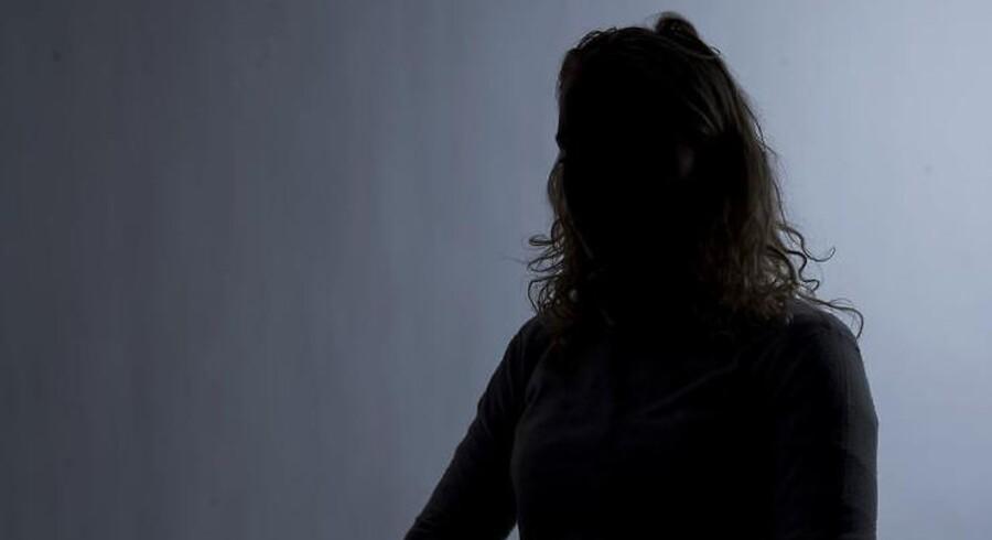 Simones ekskæreste delte krænkende, seksuelle billeder af hende, efter hun slog op.