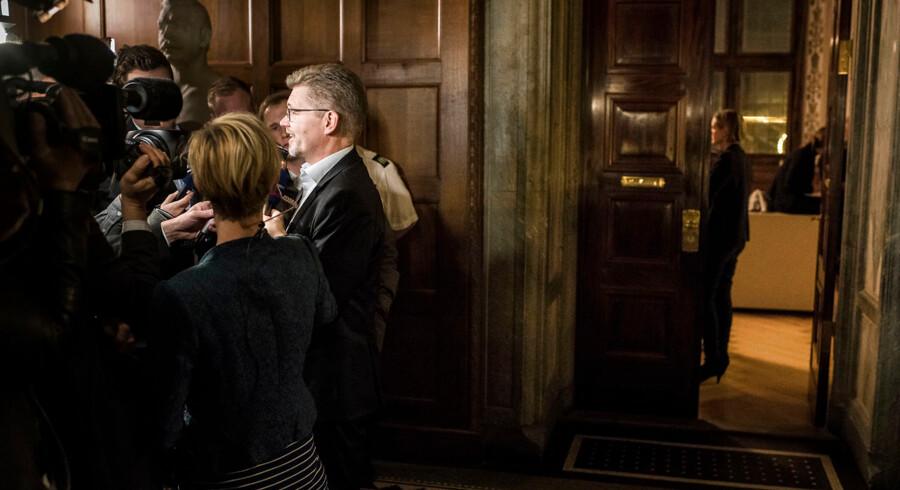 Tidligt onsdag morgen d. 21.11.2017 har alle rådhusets partier har underskrevet konstitueringsaftalen i København. Det er en historisk bred aftale, fortæller Frank Jensen (S), der beholder pladsen som overborgmester.