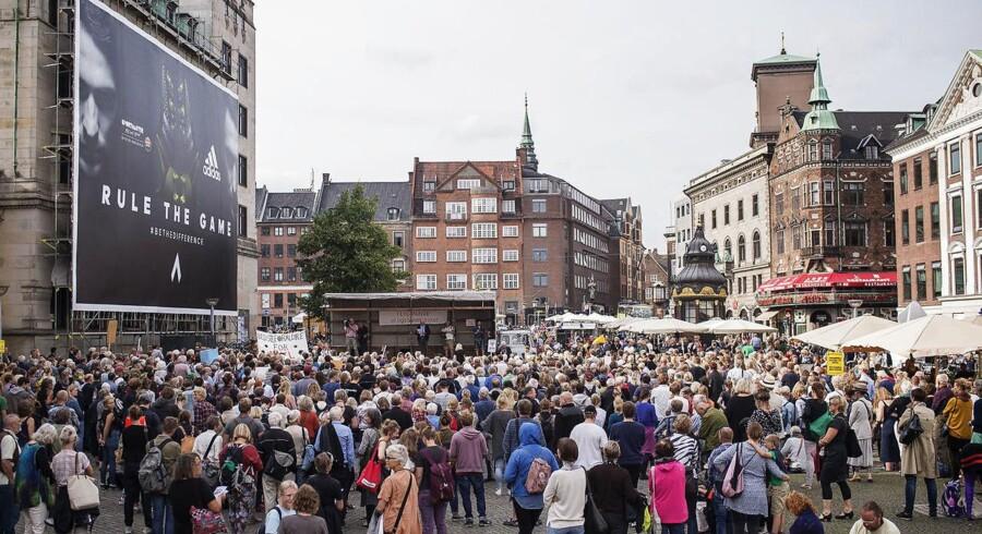 Arkivfoto af demonstration mod regeringens flygtningelovpakke onsdag den 26 august 2015 på Nytorv i København.