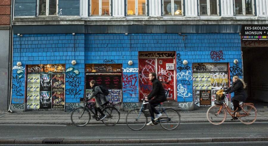 Det berømte værtshus Café Louise på Nørrebro lukker i dag.