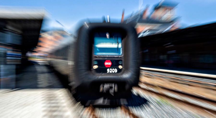 I 2019 bliver bycykler, indenrigsfly, delebiler, taxaer og samkørsel en del af Rejseplanens forslag, når du skal fra A til B. (Foto: Henning Bagger/Ritzau Scanpix)