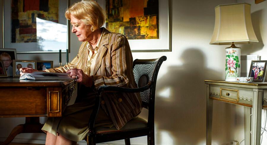 Inge Correll er med i Berlingskes nye podcast »Emma Gad For Evigt«, hvor hverdagsdilemmaer tages op ig behandles ud fra Emma Gads takt og tone-råd.